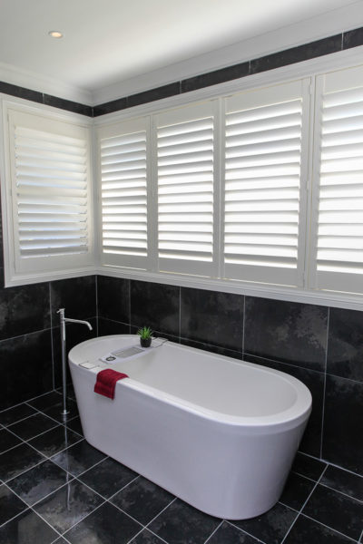 Custom home design bathroom tub slate tiles hunter valley